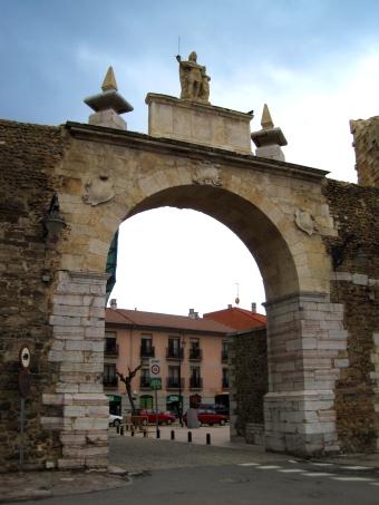 LEON Arco_de_la_Cárcel