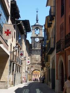 calle-y-torre-del-reloj-ponferrada