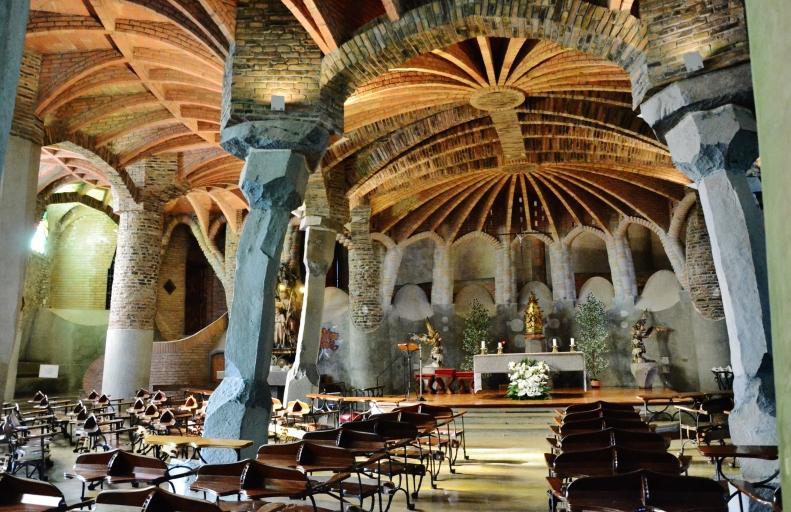 Cripta_de_la_Colònia_Güell_(Santa_Coloma_de_Cervelló)_-_41