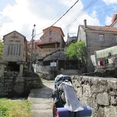 lucsali-camino-portugues-cross-the-border